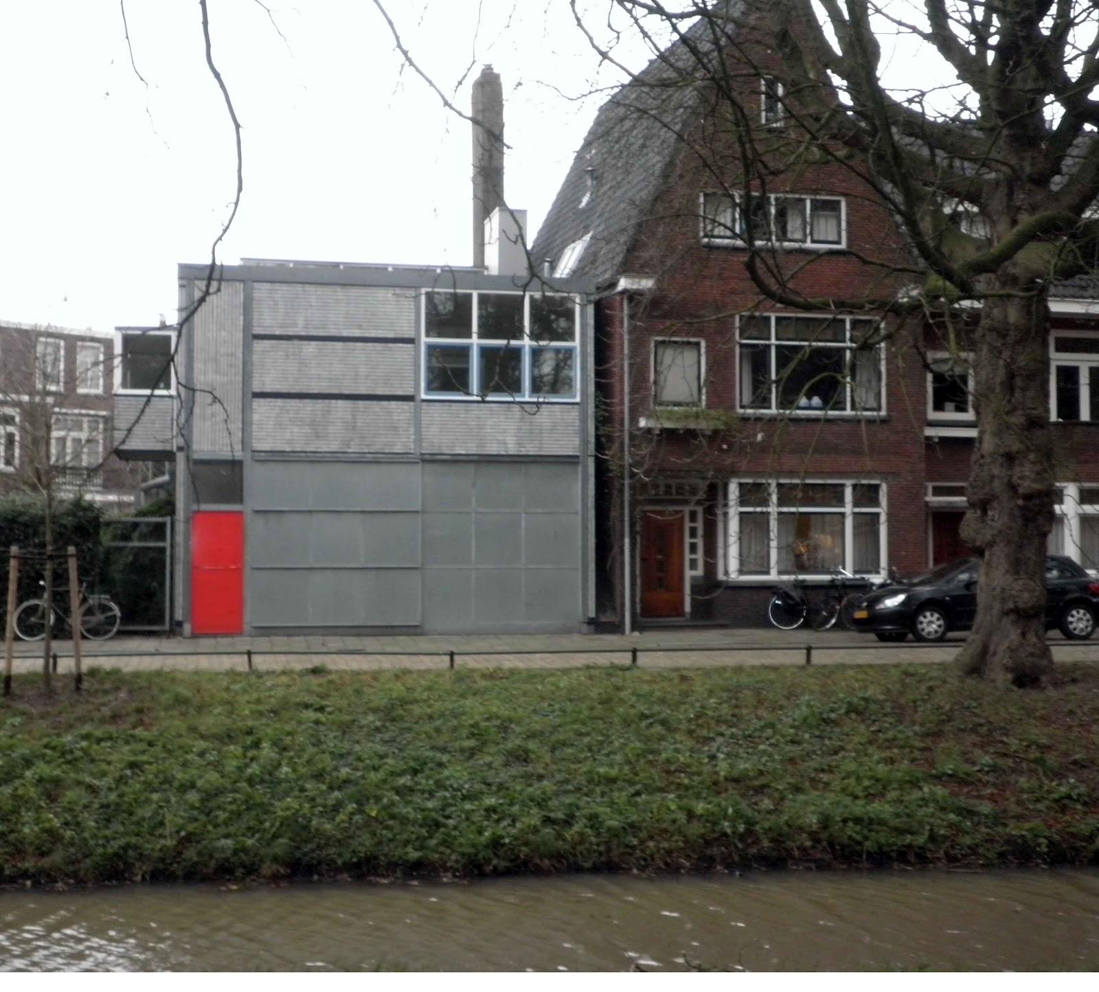 Rietveld a utrecht garage e casa dell 39 autista viaggi for 2 piani garage baia