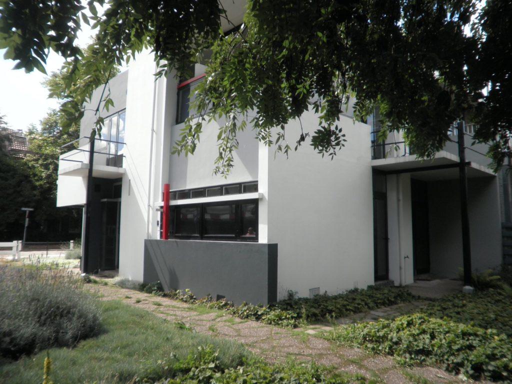 rietveld-schroeder-house-utrecht-1