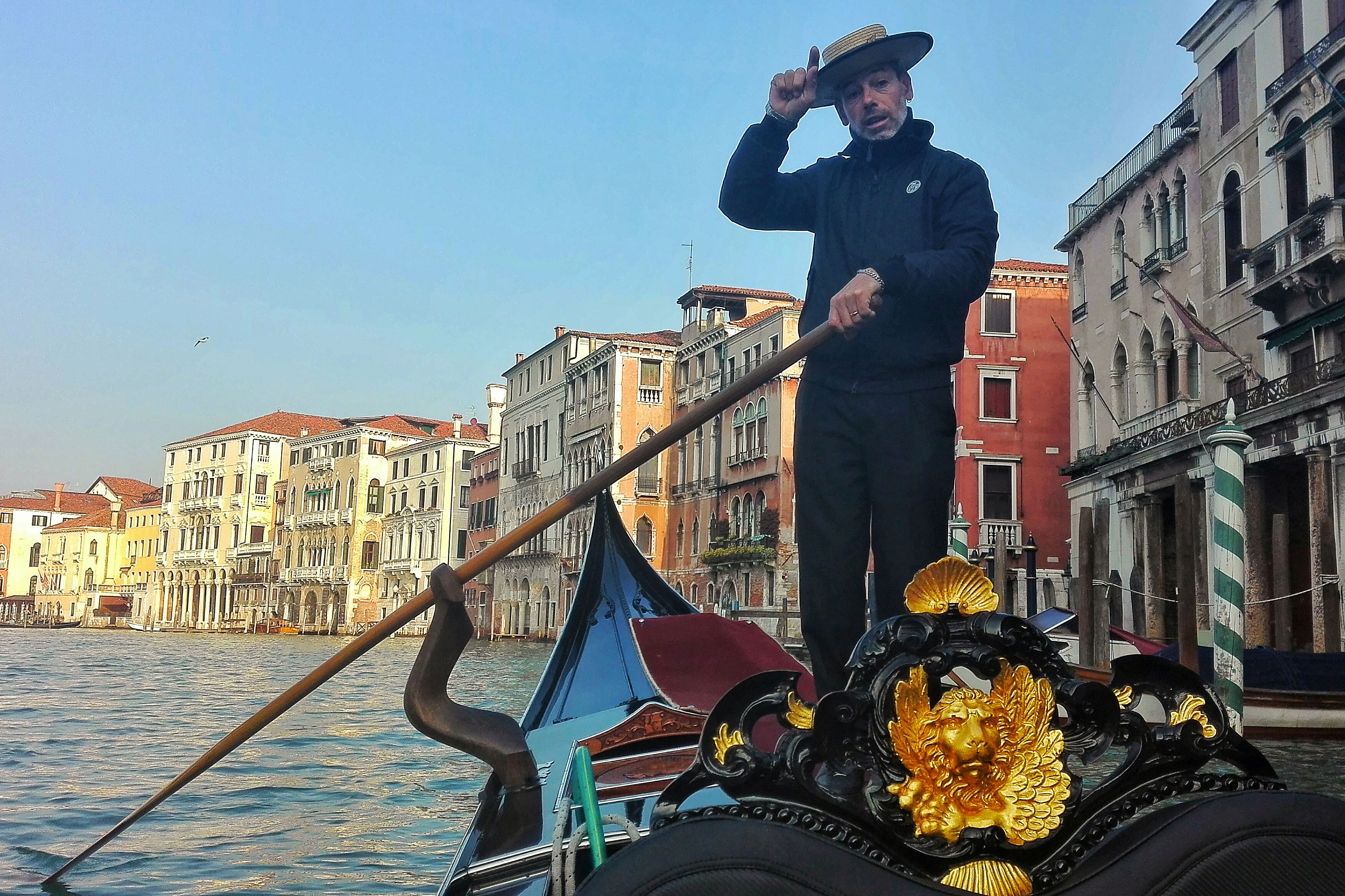 weekend a venezia gondola