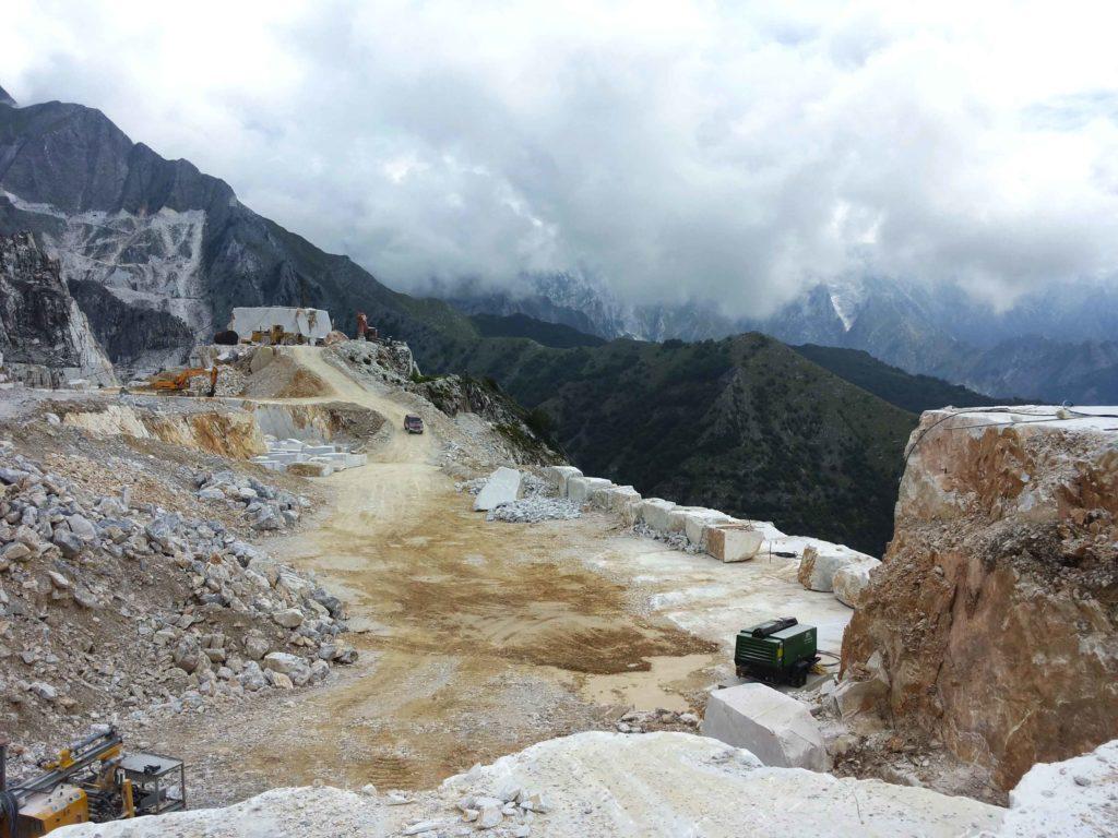 visitare cave di marmo carrara