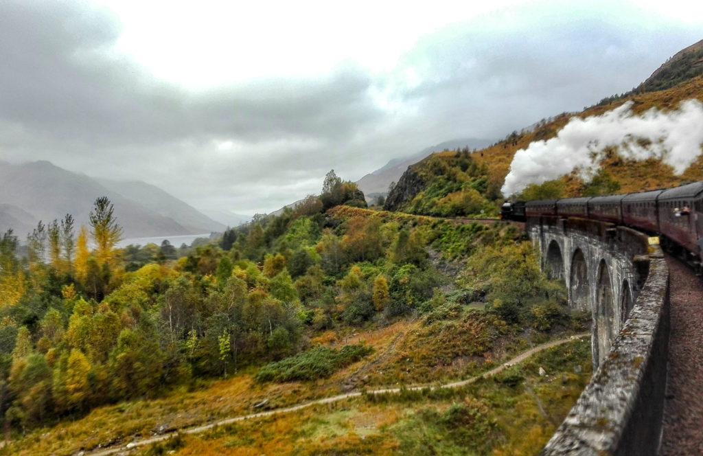 jacobite sul glenfinnan viaduct